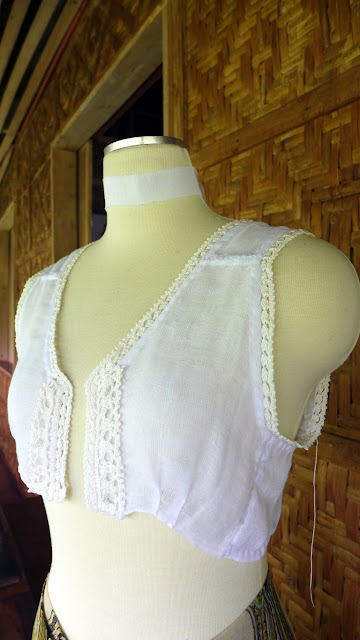 Delicate cotton trim for garments