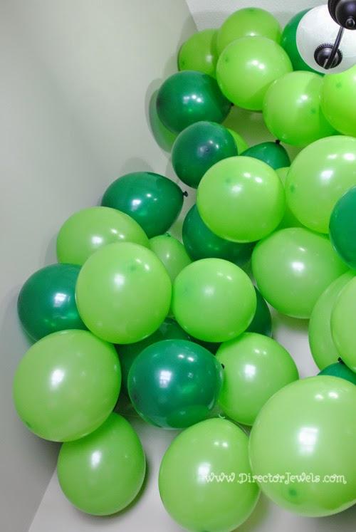 Balloon Kelp Forest | Octonauts Birthday Party Decoration Ideas | Under the Sea Decor at directorjewels.com