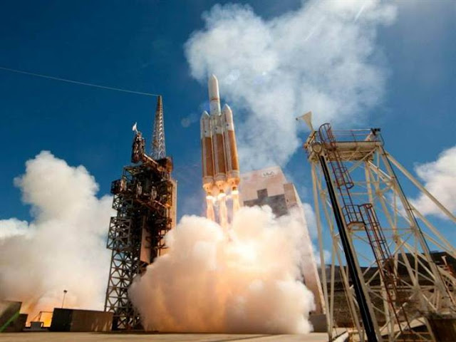 Satelit pengintip dilancarkan di atas roket terbesar AS