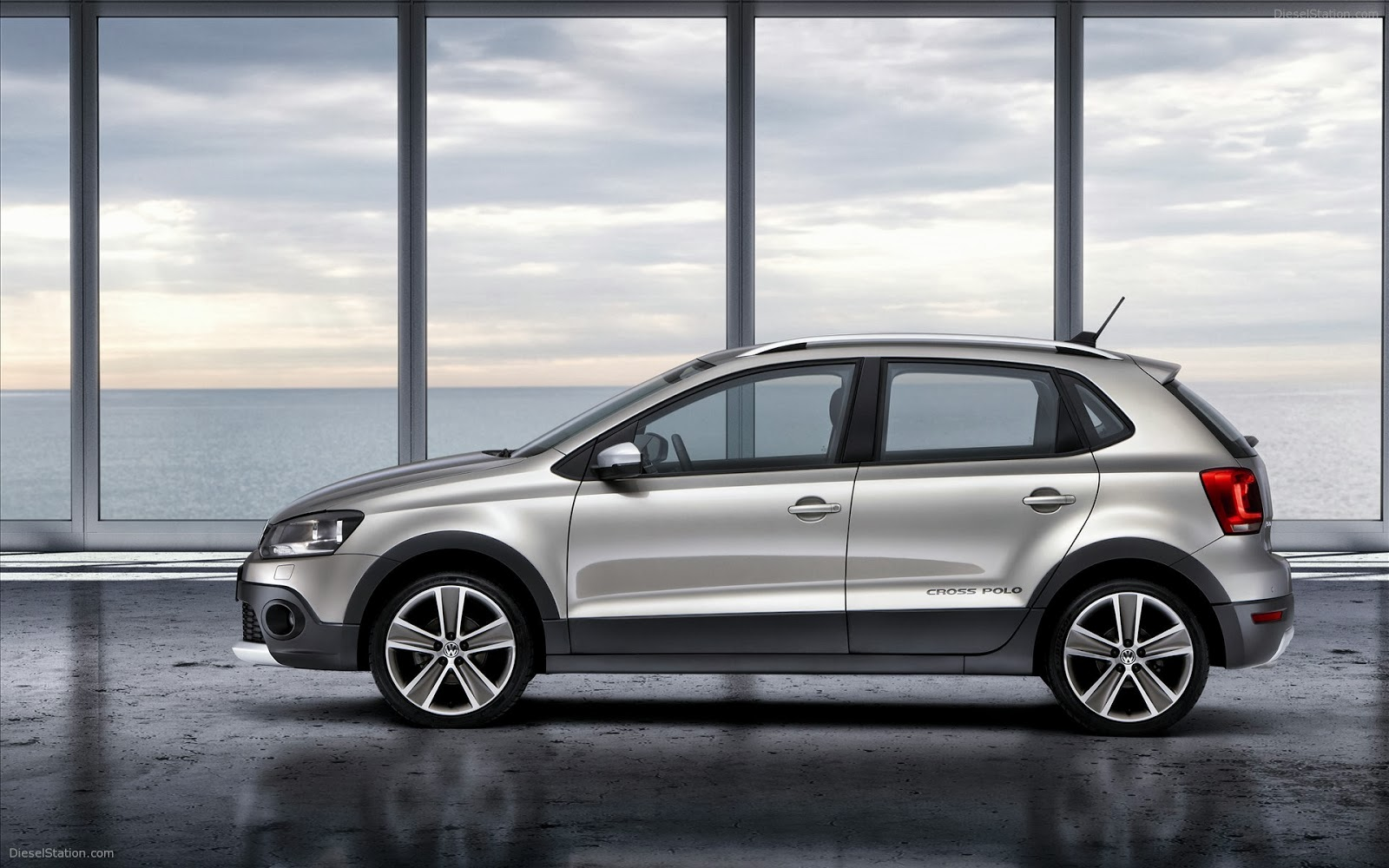 new volkswagen cross polo car prices review. Black Bedroom Furniture Sets. Home Design Ideas