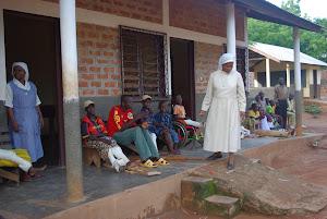 Ospedale di Dekoà persone con handicap R.C.A.