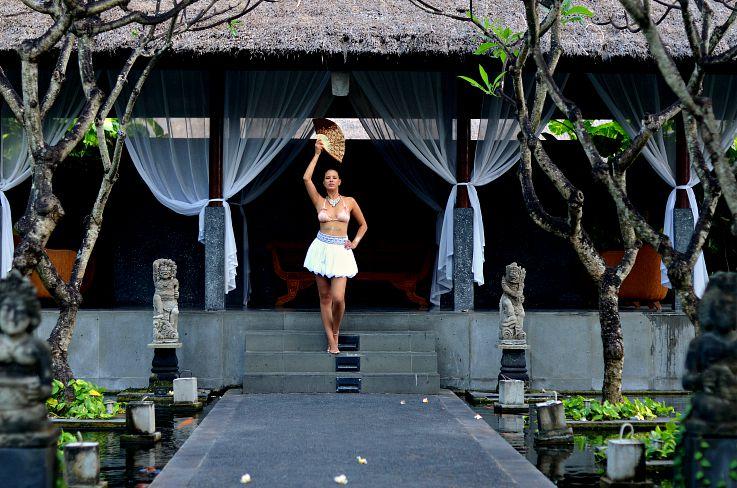 Tamara Chloé, Legian Beach hotel, Bali, Indonesia, Hunkemoller, Sylvie Collection, Beachwear