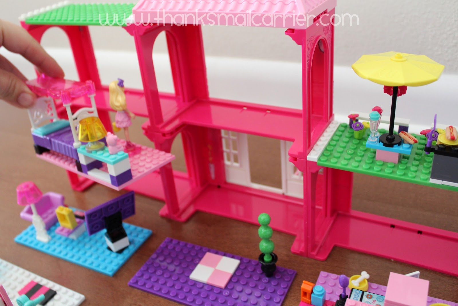 Mega Bloks Barbie Mansion modular rooms