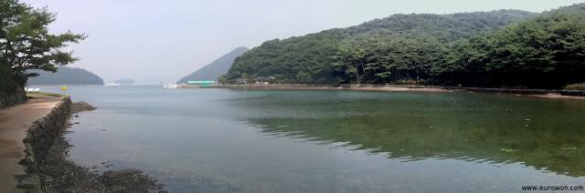 El mar en la isla Hansando