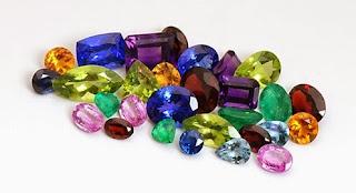 Banyak kelebihan batu permata dari yang sekedar tampak oleh mata