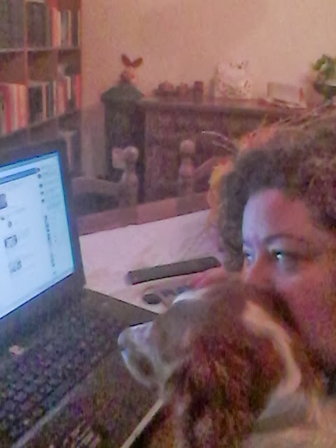 Clio ed io... al pc... non è che piano piano vuole pure lei un profilo facebook!