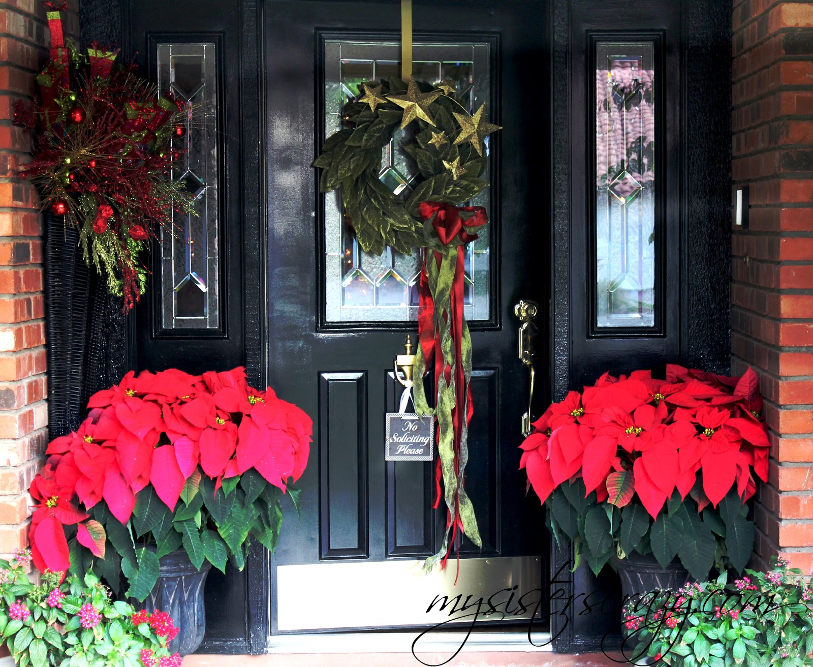 DECORATING WITH POINSETTIA Gallery