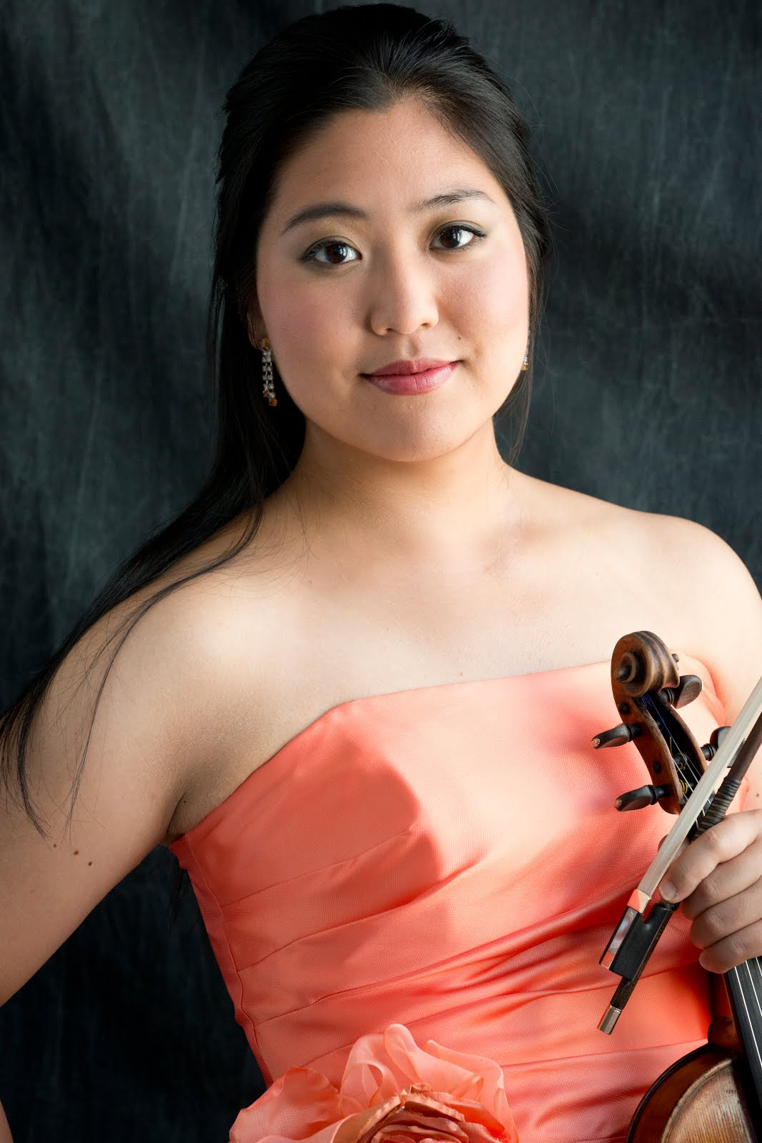 Welcome to the official blog for Japanese American violinist Erika Mitsui