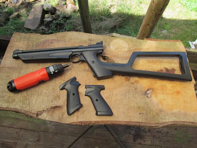 Crosman 1322 Air Pistol - Removable Stock 4