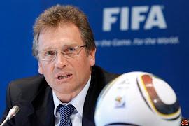 FIFA baixa a bola