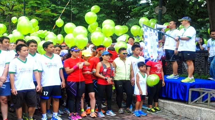 Kompetisi 1000 Balon Sambil Berlari Estafet
