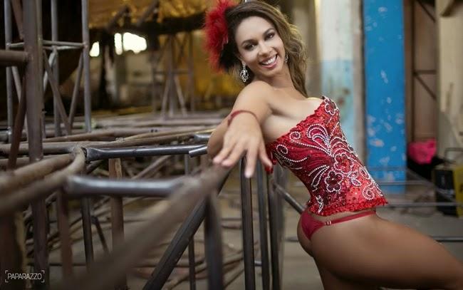 Milena Nogueira - Paparazzo