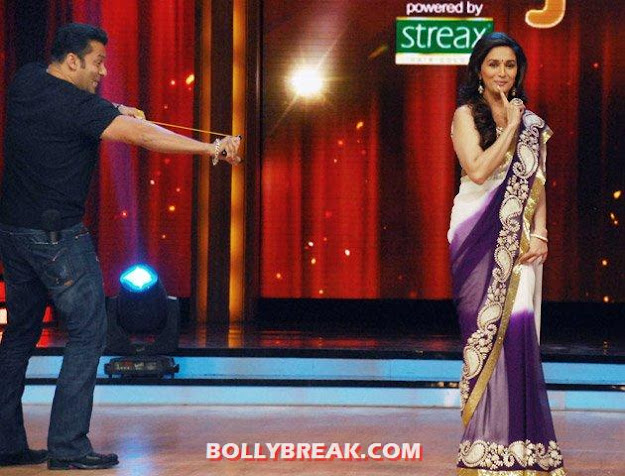 salman hitting madhuri with gulel - Salman and Madhuri dancing to Didi tera dewar diwana