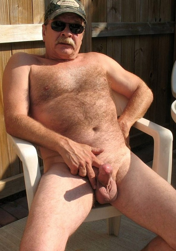 Sexy fat daddy horny on the bathroom