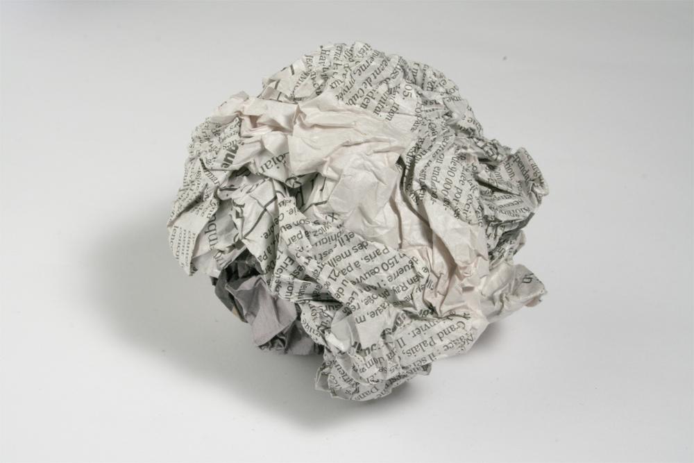 L tzelise bataille de boules de papier journal - Fabriquer une boule en papier ...