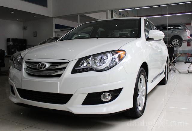 Hyundai Avante 1,6 AT - Trắng
