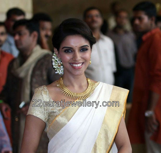 Asin In Gold Necklace At Genelia Wedding