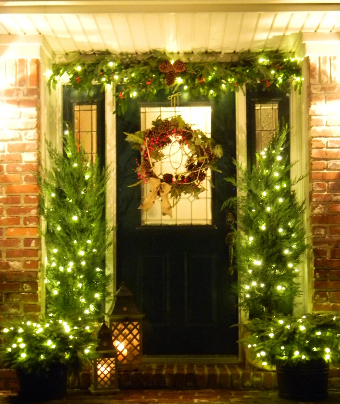 Christmas Doors Linky Party