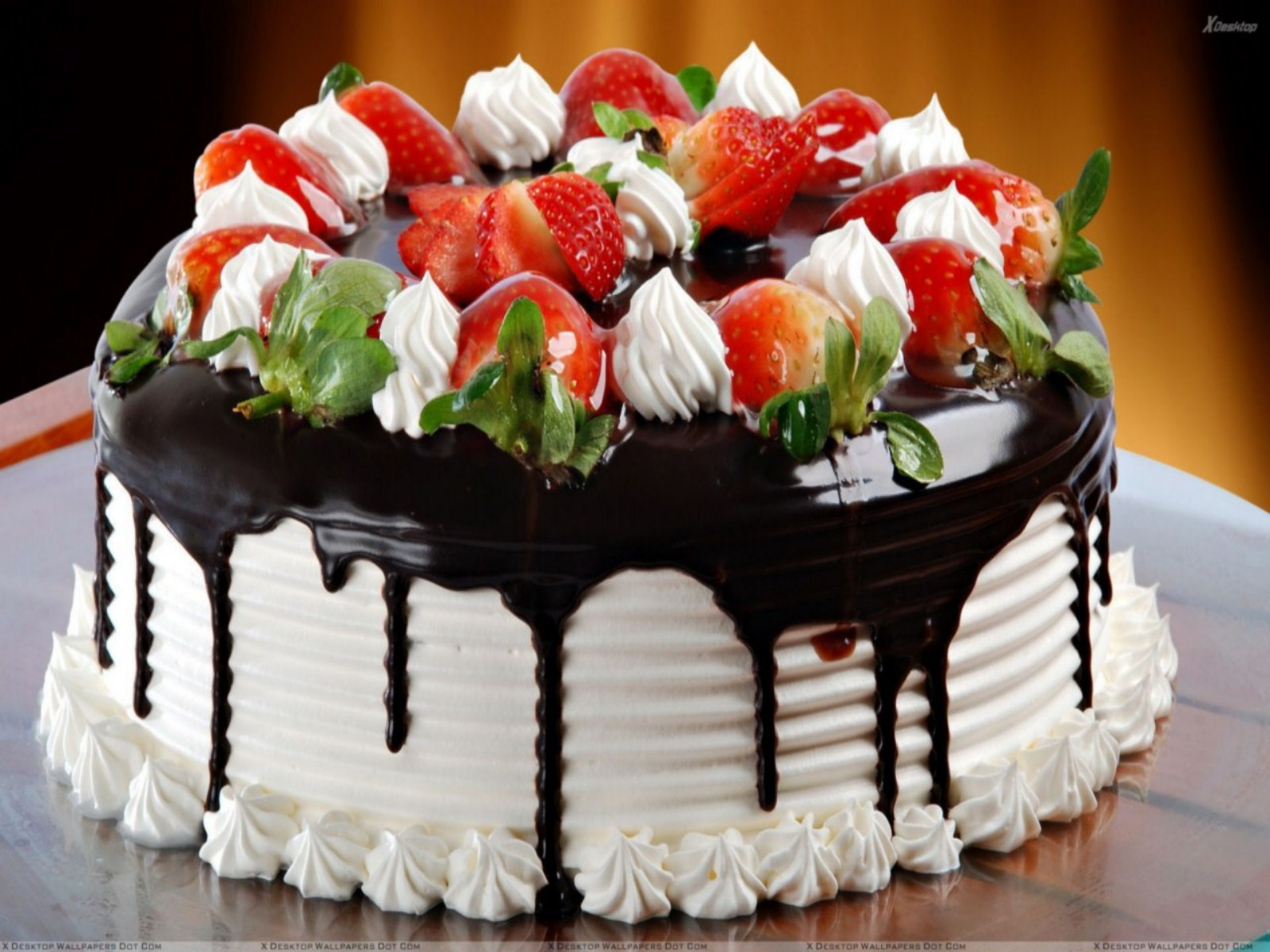 http://3.bp.blogspot.com/-KecbHEhUOuQ/UOSUxiPvmiI/AAAAAAAALUo/GVSSCuPLazs/s1600/birthday_cake_for_friends_wallpaper-other.jpg