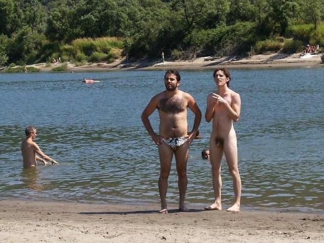 free famous naked females pics