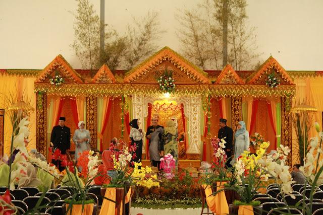 Menganalisa Hukum Islam Dalam <strong>Adat Perkawinan</strong> Suku Aceh (kota Lhokseumawe)