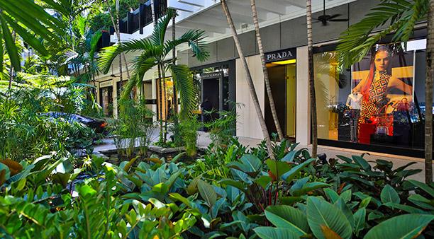 Shopping Bal Harbous Shops Miami