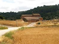 La Caseta d'en Fermí sota la Costa de Sant Andreu