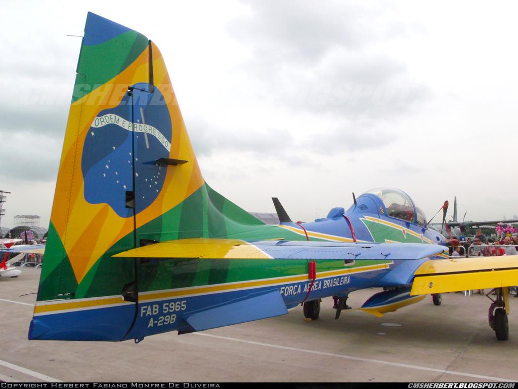 É MAIS QUE VOAR | Embraer A-29 Super Tucano - Esquadrilha da Fumaça (EDA) - Foto © Herbert Monfre