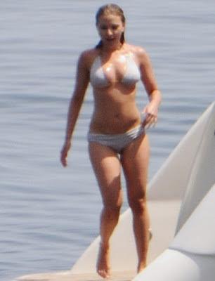 Scarlett Johansson Bikini Photo Gallery