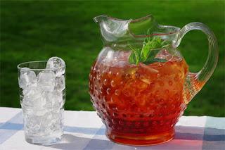 الشاي المثلج من بين اكلات مفيدة في الصيف