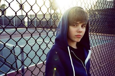 Justin Bieber in a hoodie Beliebers