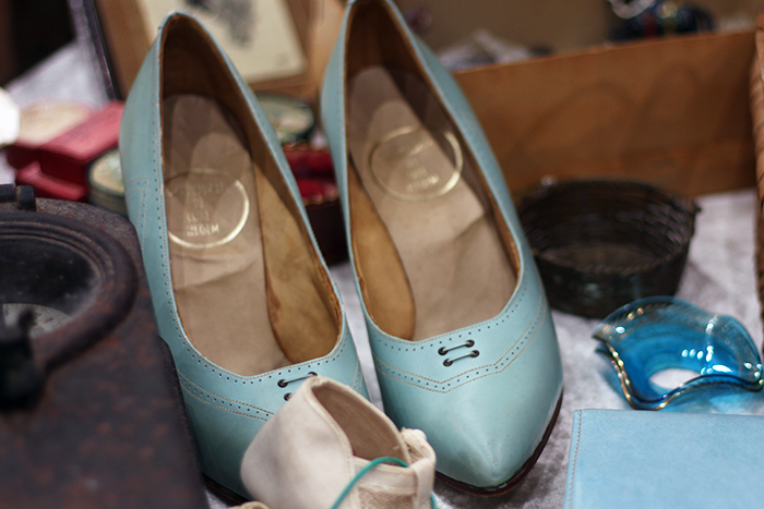 Verzamelaarsjaarbeurs vintage antique retro shoes schoenen antiek beurs fair