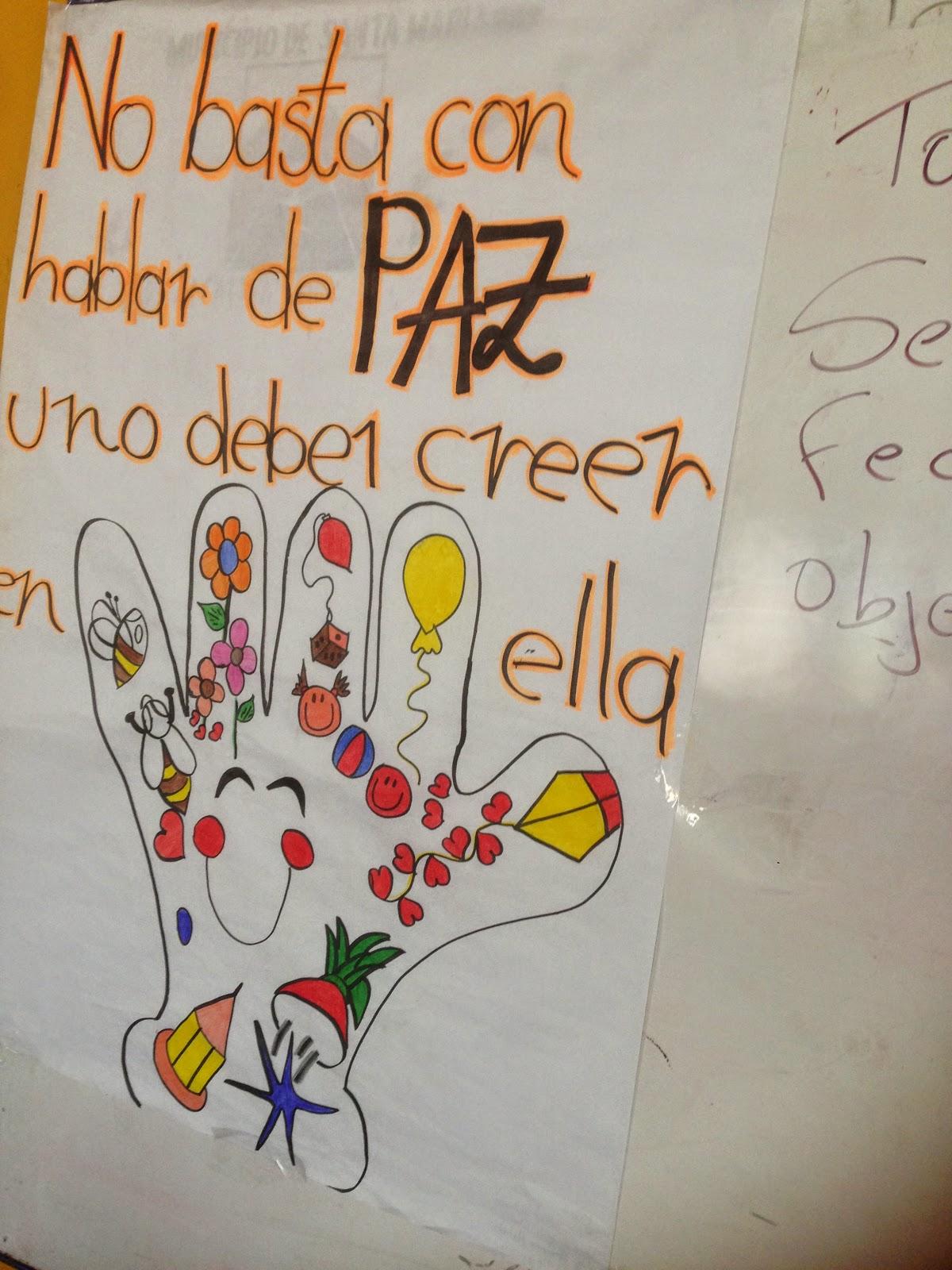 paz, los niños elaboraron carteleras con mensajes alusivos a la paz