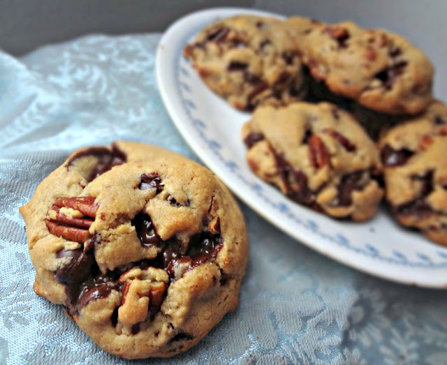 ... Cooking Actress: Brown Butter Dark Chocolate and Toasted Pecan Cookies