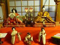 大正時代の古今雛、黄色い衣装は天皇。