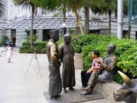 raffles landing site, patung sir thomas raffles, pendiri singapore, tempat wisata di singapore, jalan-jalan di singapore, singapura, wisata sejarah, seni, patung