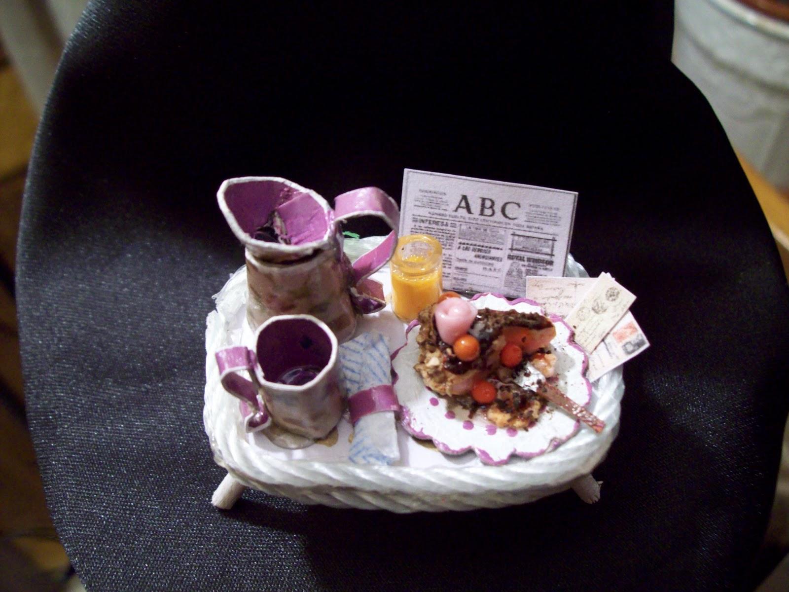 El universo de freya mesas de desayuno bandejas y mesitas - Mesas de desayuno ...