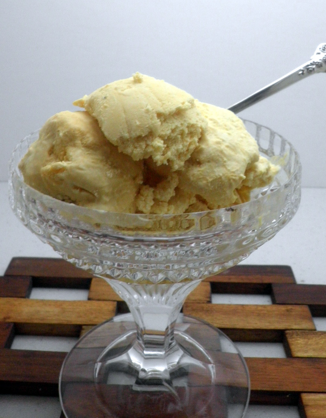 Lucuma Ice Cream http://gourmetglobal.blogspot.com/2012/05/lucuma-ice-creamskinny-version.html