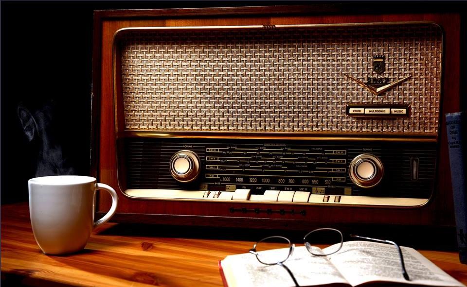 O  RADIO AINDA  É  O MAIOR MEIO DE COMUNICAÇÃO SOCIAL DE BASES