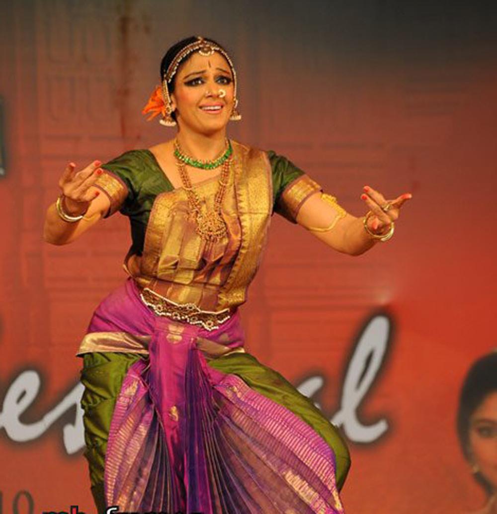 Shobana stage performanceBharatanatyam Shobana