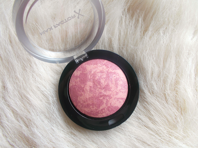 Max Factor Creme Puff blush in 'Seductive Pink' review