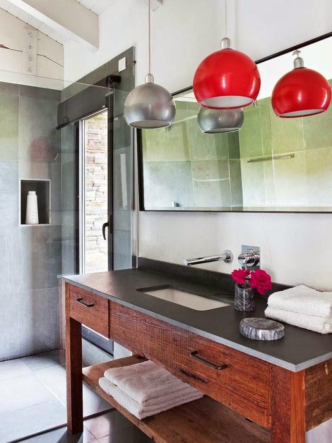 Interior] loft en piedra, hierro y madera con piezas vintage y ...