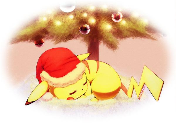 Pikachu duerme bajo el arbol de Navidad
