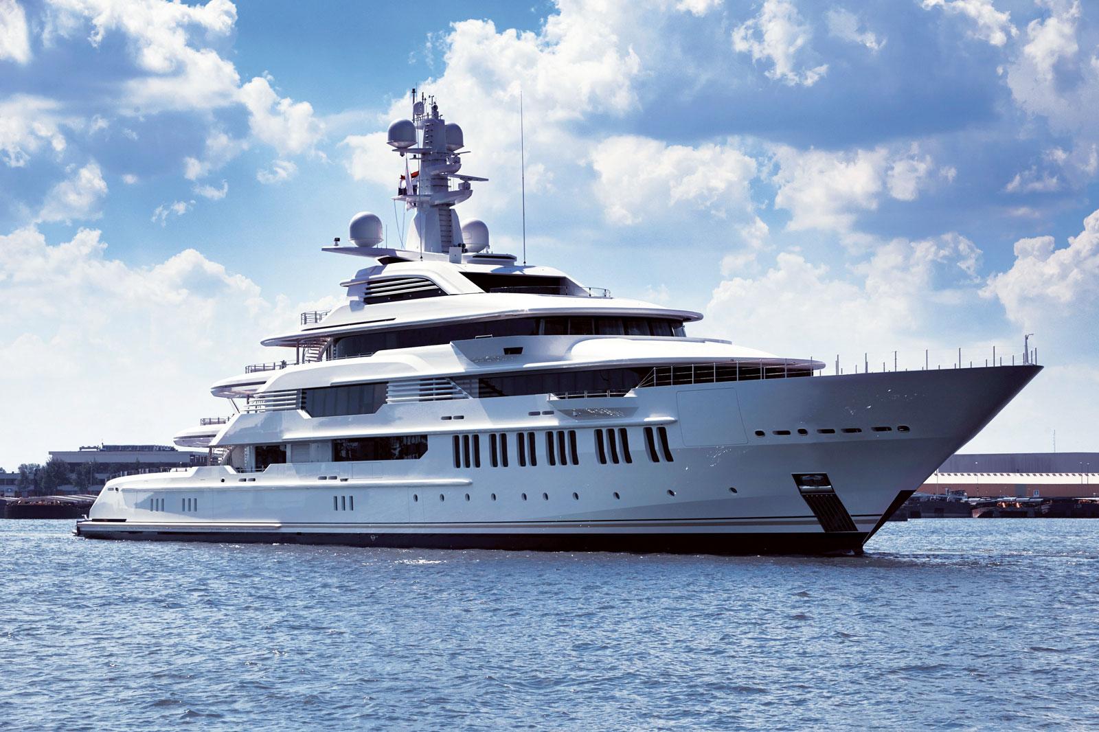 Megayacht INFINITY