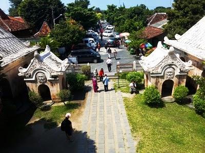 tamansari, castle water