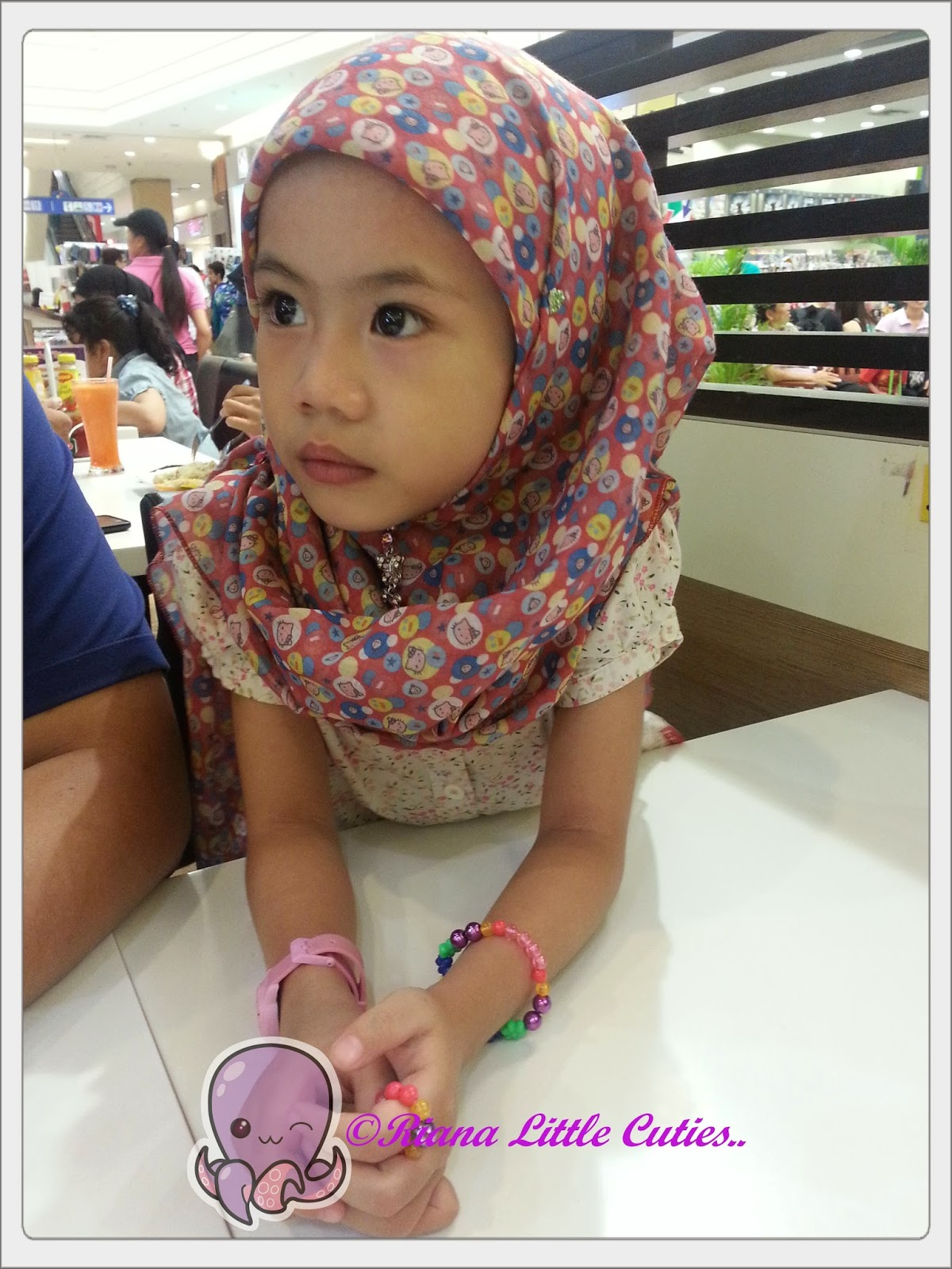 Riana Little Cuties April 2015 Tcash Vaganza 35 Viva Skin Food Cream 30 G Tgh Kusyuk Tgk Org Buat Ais Ditepi Tu