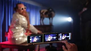 Perbandingan Kamera Smartphone di Cahaya Minim