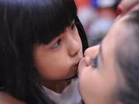 Cium Mulut Nurse