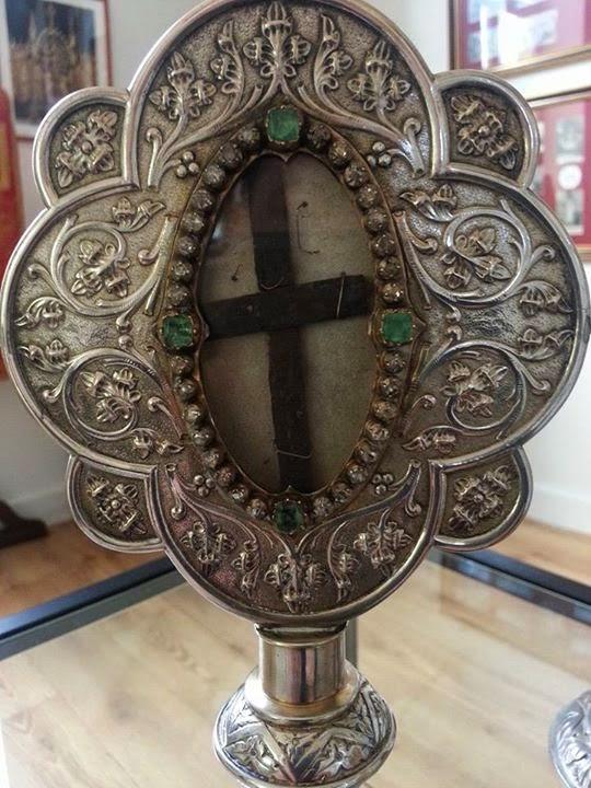 Το Τίμιο Ξύλο του αββαείου Bois-Seigneur-Isaac. http://leipsanothiki.blogspot.be/