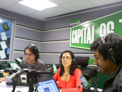 Francis Linares organizadora de LA AGENCIA OPORTUNIDADPARASOLTEROS EN RADIO CAPITAL, LIMA, PERU